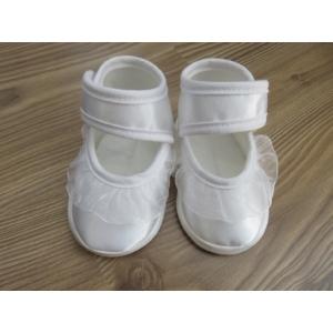 Hófehér szatén kislány cipő - fodros (18)