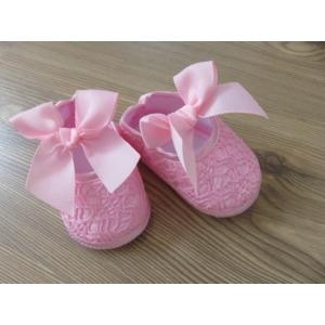 Rózsaszín, csipkés szatén kislány cipő - masnival (17)