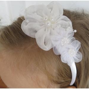 Fehér csipkés, gyöngyös kislány hajpánt/hajráf