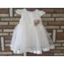 Kép 1/4 - Fehér kislány keresztelő ruha virágdísszel (62)