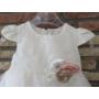 Kép 2/4 - Fehér kislány ruha virágdísszel (74)