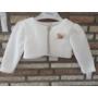 Kép 5/6 - Törtfehér kislány ruha boleróval, barack kitűzővel